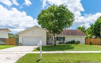 Lauderhill Single Family Home For Sale: 7300 NW 44th Ct