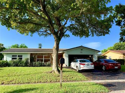 Coral Springs Single Family Home For Sale: 11040 NW 43rd Ct