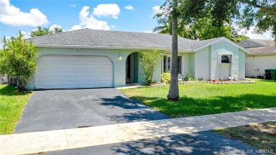 Cooper City Single Family Home For Sale: 11831 SW 49th Ct