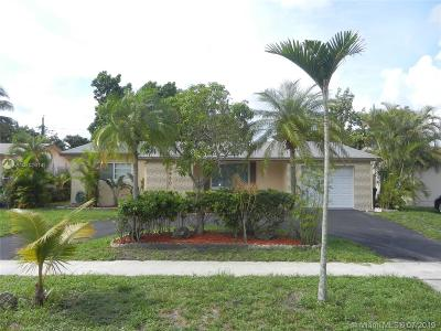 Sunrise Single Family Home Active With Contract: 5940 NW 16th St