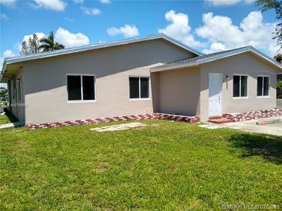 Dania Beach Multi Family Home For Sale: 121 NW 11th Ave