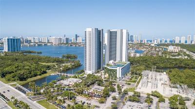North Miami Beach Condo For Sale: 16385 Biscayne Blvd #904