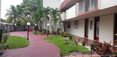 Lauderdale Lakes Condo For Sale: 2950 NW 46th Ave #109A