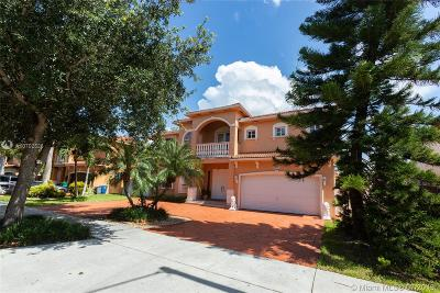 Hialeah Single Family Home For Sale: 9081 NW 177th Ter