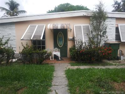 North Miami Single Family Home For Sale: 2100 Alamanda Dr