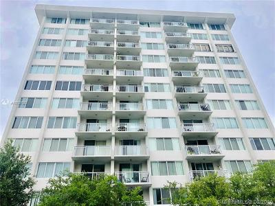 Miami Beach Condo For Sale: 1345 Lincoln Rd #405