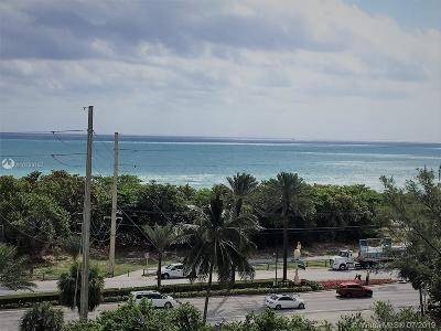 Sunny Isles Beach Condo For Sale: 100 Bayview Dr #716