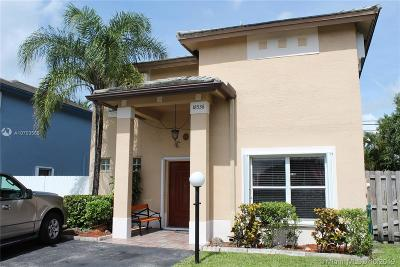 Miami Gardens Single Family Home For Sale: 18536 NW 56th Pl