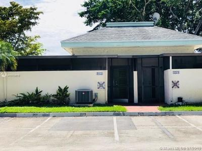 Davie Single Family Home For Sale: 2275 SW 81st Ave