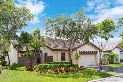 Weston Single Family Home For Sale: 2260 Columbia