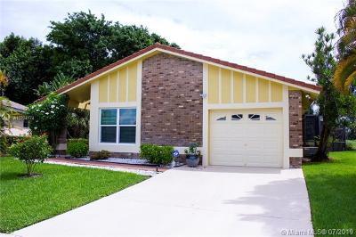 Boca Raton Single Family Home For Sale: 19639 Back Nine Dr