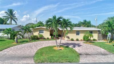 Pompano Beach Single Family Home For Sale: 261 SE 8th St
