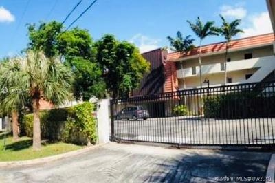 Coral Gables Condo For Sale: 6855 Edgewater Dr #3BN