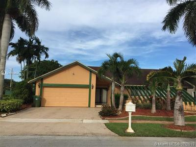 Pembroke Pines Single Family Home For Sale: 2431 NW 102nd Way