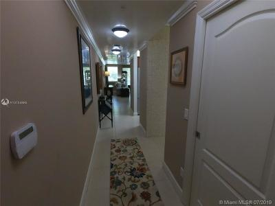 Pinecrest Condo For Sale: 7594 SW 102nd St #200