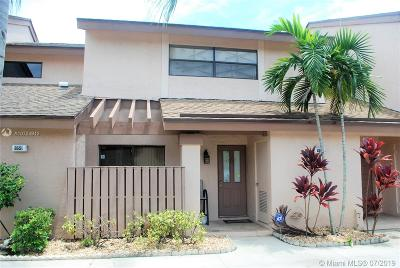 Coconut Creek Condo For Sale: 2653 NW 42nd Ave #1221E