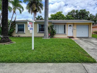 Hallandale Single Family Home For Sale: 918 NE 7th St
