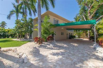Monroe County Single Family Home For Sale: 240 Treasure Harbor Rd