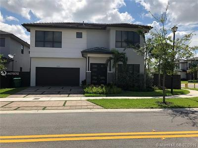 Miami Single Family Home For Sale: 13661 SW 160th Ct