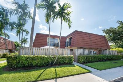 Plantation Condo/Townhouse For Sale: 9871 NW 6 Court
