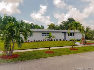 North Miami Beach Single Family Home For Sale: 530 NE 179th Dr