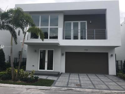 Doral Single Family Home For Sale: 9760 NW 74th Ter