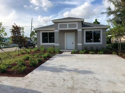 Oakland Park Single Family Home For Sale: 290 NE 35 St