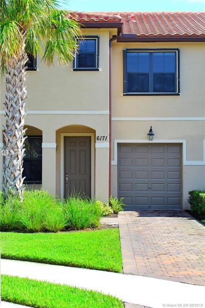 Lake Worth Condo For Sale: 6171 Bangalow Dr #6171