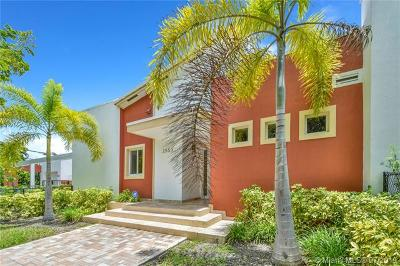 Miami Single Family Home For Sale: 2553 SW 23rd Ave