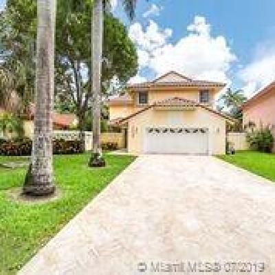 Doral Single Family Home For Sale: 10405 NW 43rd Ter
