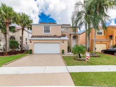 Pembroke Pines Single Family Home For Sale: 201 NW 151st Ave