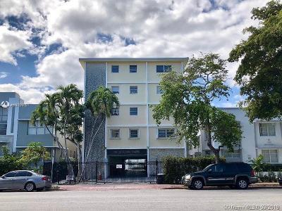 Miami Beach Condo For Sale: 910 Jefferson Ave #2D