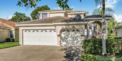 Pembroke Pines Single Family Home For Sale: 1050 SW 177th Way
