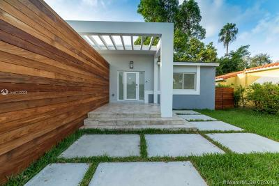 Miami Single Family Home For Sale: 425 Falcon Ave