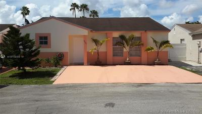 Hialeah Single Family Home For Sale: 19908 NW 67th Cir Ct