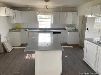 Miami-Dade County Single Family Home For Sale: 10810 SW 217th St