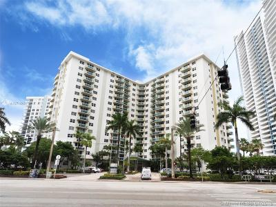 Hollywood Condo For Sale: 3001 S Ocean Dr #1041