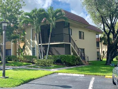 Weston Condo For Sale: 327 NW Lakeview Dr #104