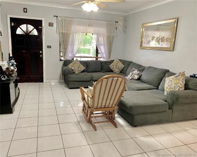 Miami Single Family Home For Sale: 1880 SW 24th St