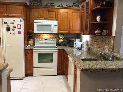 Coconut Creek Condo For Sale: 4634 N Carambola Cir N #2716