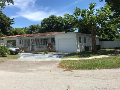 North Miami Single Family Home For Sale: 50 NE 134th St