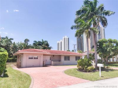 Sunny Isles Beach Single Family Home For Sale: 215 187 St