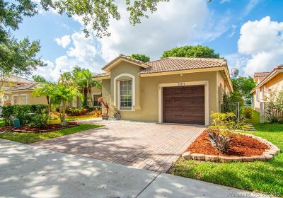 Weston Single Family Home For Sale: 16414 Sapphire St