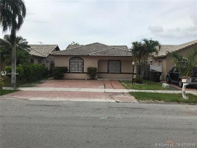 Hialeah Single Family Home For Sale: 3519 W 72nd St
