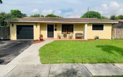 Miami Lakes Single Family Home For Sale: 13961 Lake George