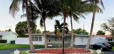 Lighthouse Point Single Family Home For Sale: 2720 NE 26th St.
