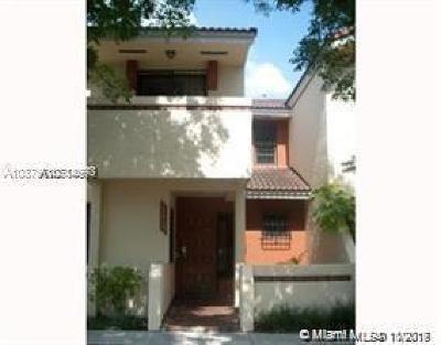 Miami Gardens Condo/Townhouse For Sale: 17914 NW 68th Ave #B-8