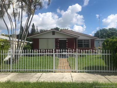 Hollywood Single Family Home For Sale: 2711 Dewey St