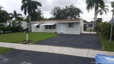Oakland Park Single Family Home For Sale: 6111 NE 3rd Ter