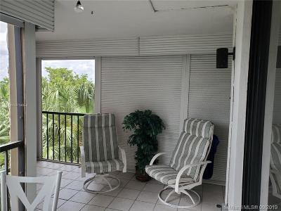 Weston Condo/Townhouse For Sale: 16300 Golf Club Rd #514